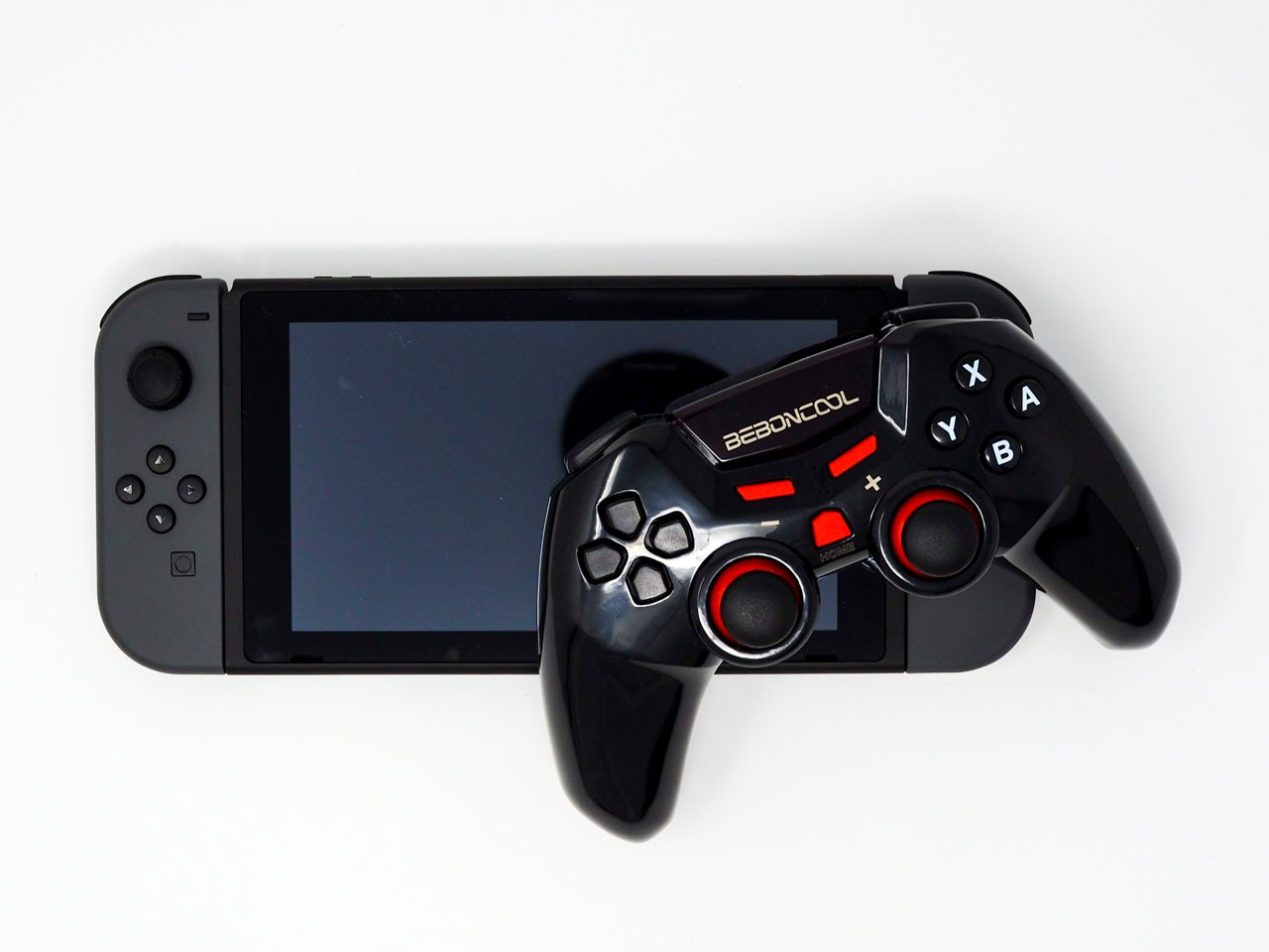 Nintendo Switchとコントローラーのサイズ比較